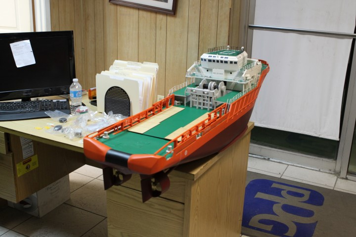 HUGE 54 inch R/C Scale Tug Boat For Sale (photos & video)